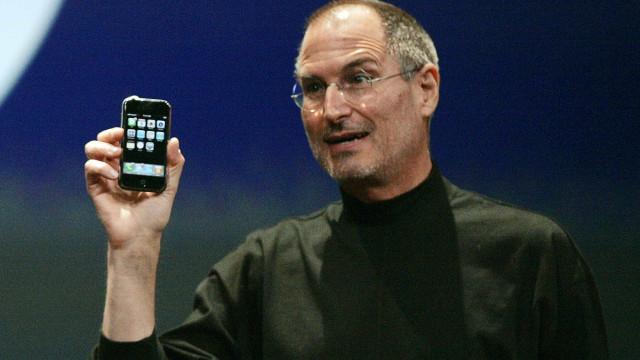 Steve Jobs desvendou o iPhone original há 13 anos