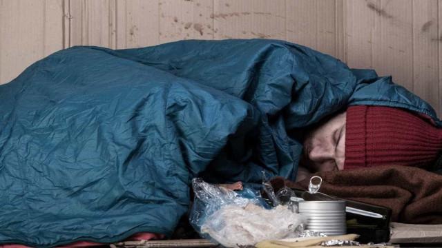 Moradores de rua são proibidos de dormir na rua na Hungria