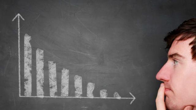 Fuga de investidor estrangeiro cresce e pressiona dívida