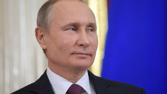 Putin assina lei para criar internet russa independente