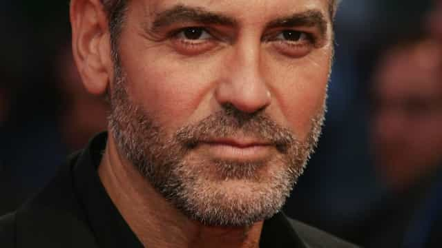 George Clooney volta ao espaço e reflete sobre negacionismo em 'O Céu da Meia-Noite'