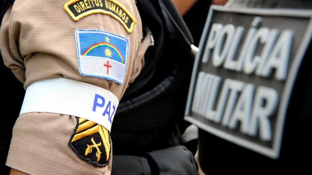Tentativa de assalto dentro de bar deixa PM e amigo feridos em PE