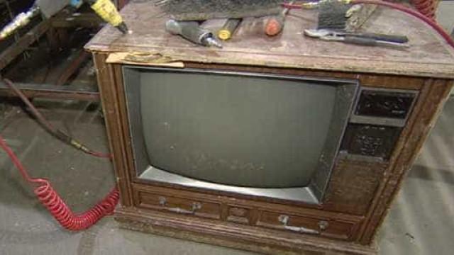 Família esconde R$ 237 mil  dentro de TV e deixa para reciclagem