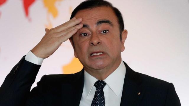 Jornal turco diz que Ghosn fugiu em caixa de equipamento de som