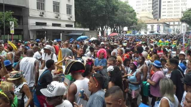 Blocos do Rio reuniram mais de 717 mil foliões no segundo dia