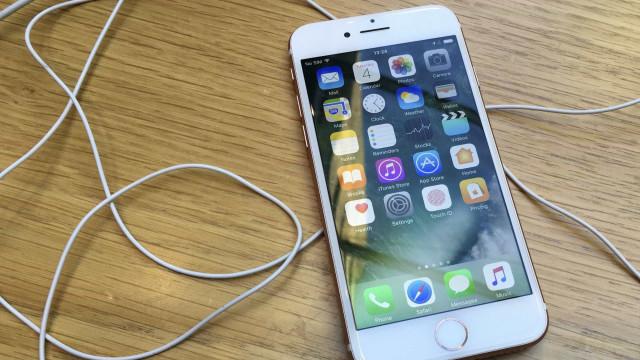 Muçulmana processa polícia dos EUA por apreensão de iPhone