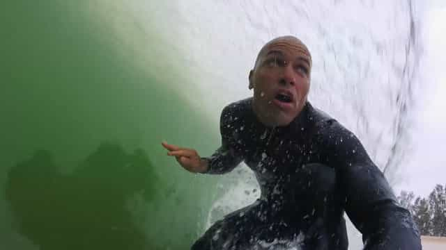 Kelly Slater planeja construir maior onda artificial do mundo