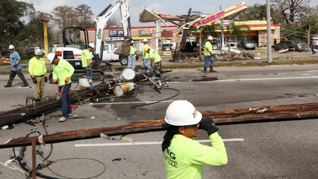 Tornados afetam até 45 milhões de  pessoas nos EUA e deixam 3 mortos