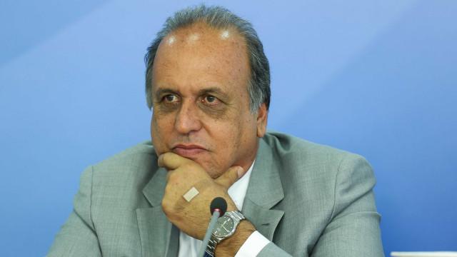 Pezão vira alvo de processo de impeachment