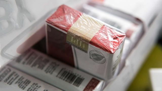 MPF denuncia sete pessoas por desviar 42 milhões de maços de cigarro