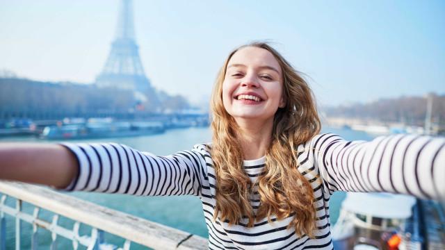 Conheça os 10 melhores destinos para mulheres que viajam sozinhas