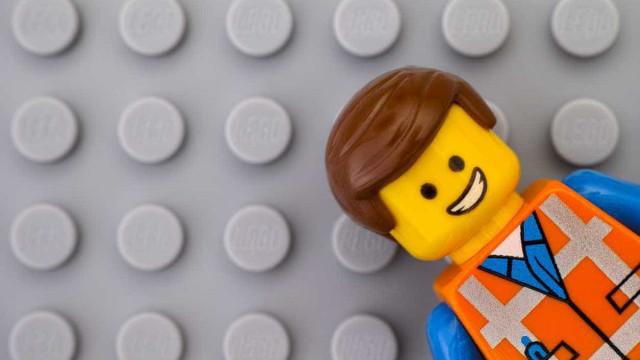 """Morreu o criador do boneco da Lego. """"Tinha uma imaginação fantástica"""""""