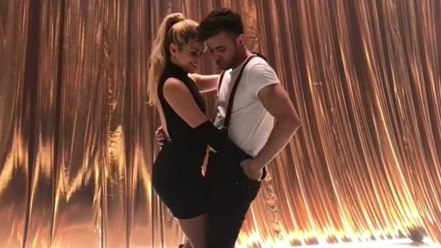 Shakira e  Prince Royce ensinam a dançar Bachata; confira!