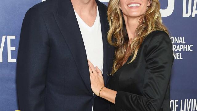 Tom Brady e Gisele Bündchen namoram ao pôr do sol da Costa Rica