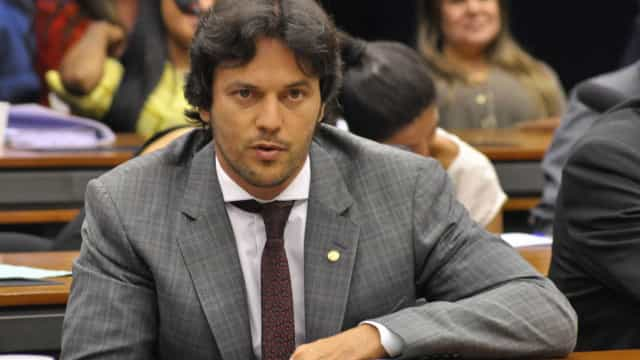 Fábio Faria discorda do modelo para leilão de 5G defendido por Guedes