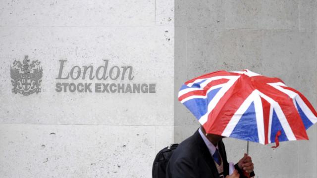 Após anúncio de eleição, Bolsa de Londres  fecha em queda