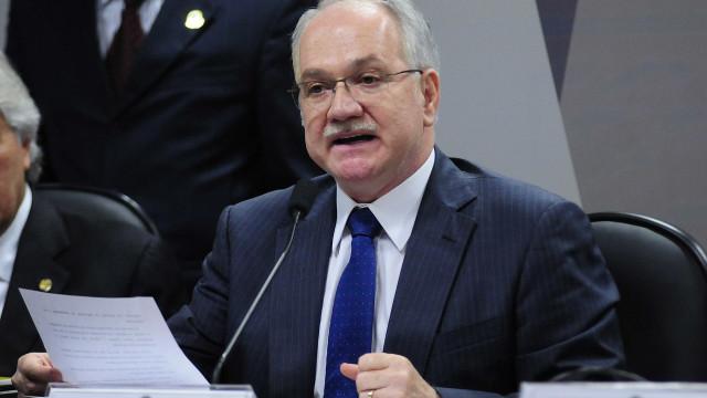 Fachin levará ao plenário pedido para suspender inquérito das fake news