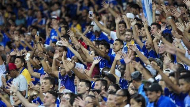 Após protestos, Henrique cobra apoio da torcida do Cruzeiro