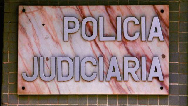 Viajava entre Brasil e Portugal com droga escondida na roupa