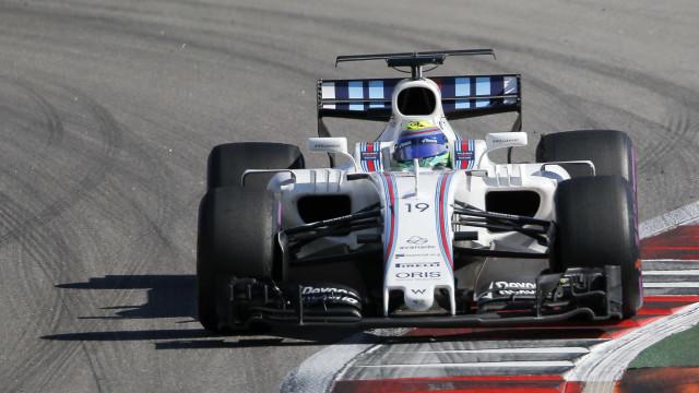 'Sainz atrapalhou a minha volta de propósito', diz Felipe Massa
