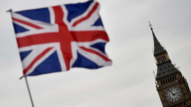 Detidos na Inglaterra suspeitos de planejarem atos terroristas