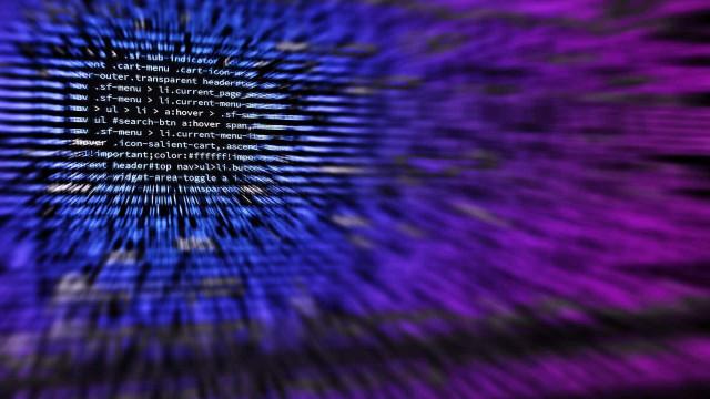 Fraudes bancárias pela internet crescem 297% em um ano