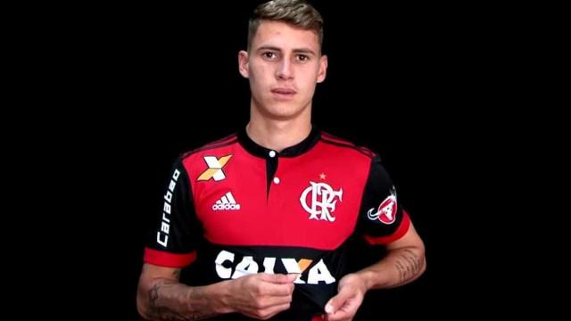 Matheus Sávio vive maior momento no Fla após sumiço em Portugal