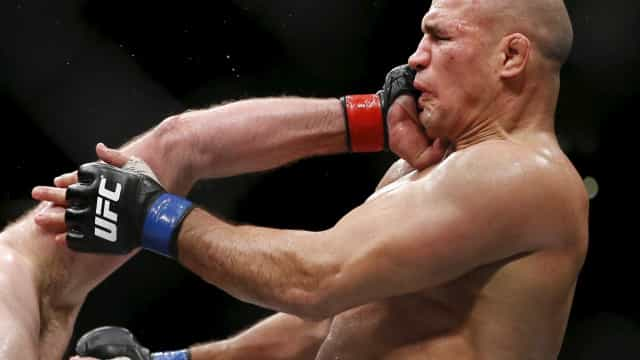 Cigano é nocauteado por Ngannou em 1min11s no UFC Minneapolis