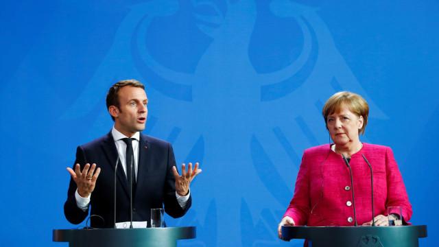 Alemanha e França condenam ataques contra Embaixa da Rússia na Síria