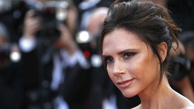 Victoria Beckham lança nova linha de óculos