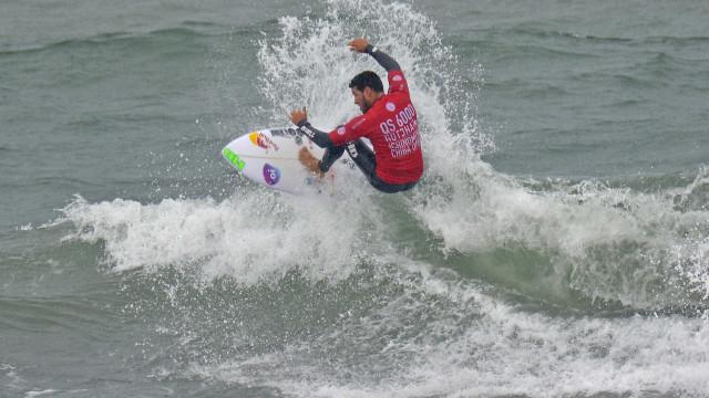 Campeão mundial de surfe, Mineirinho vai se aposentar em 2021