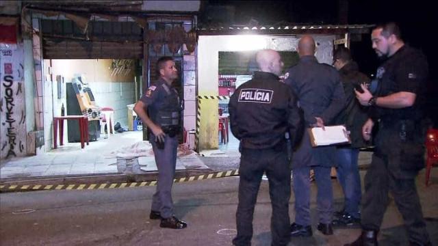 Fiscalização lacra 11 bares que abriram à noite na zona leste de SP