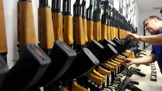 Procuradoria diz que novo decreto mantém brecha para aquisição de fuzis