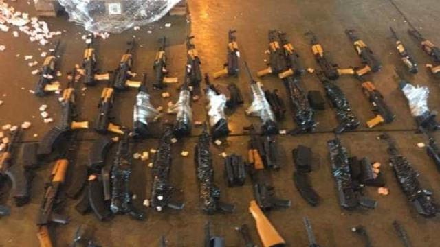 Polícias do Rio negociam uso  de fuzis apreendidos no Galeão