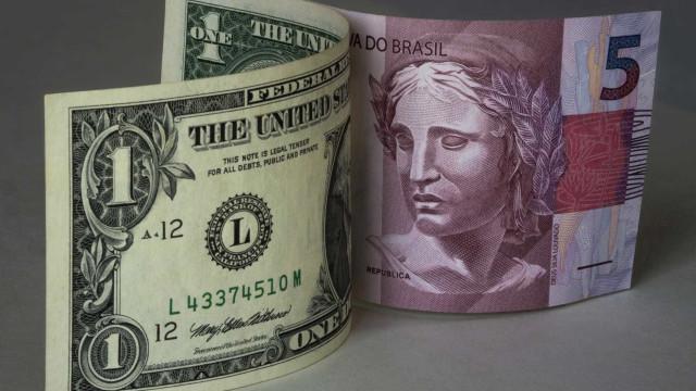 Câmbio para fim de 2020 passa de R$ 5,30 para R$ 5,35, prevê Focus