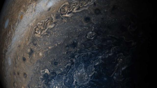 Sonda Juno capta imagem impressionante  das nuvens de Júpiter