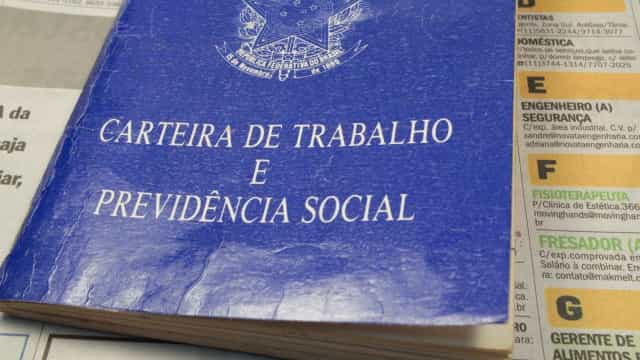 Sobe número de brasileiros que desistiram de procurar emprego