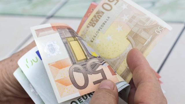 Homem devolve mochila com 16 mil euros no interior na Alemanha