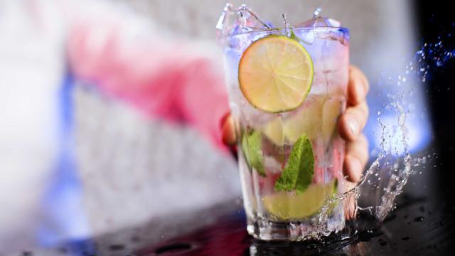 Novo estudo alarmante culpa o álcool por sete tipos de câncer