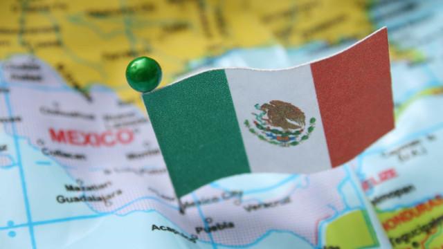 Jornalista mexicano alvejado quando se preparava para entrar ao vivo