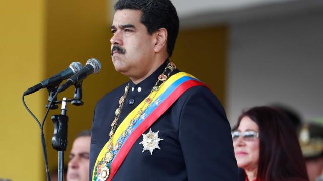 Assembleia Constituinte da Venezuela  suspende sessão deste domingo