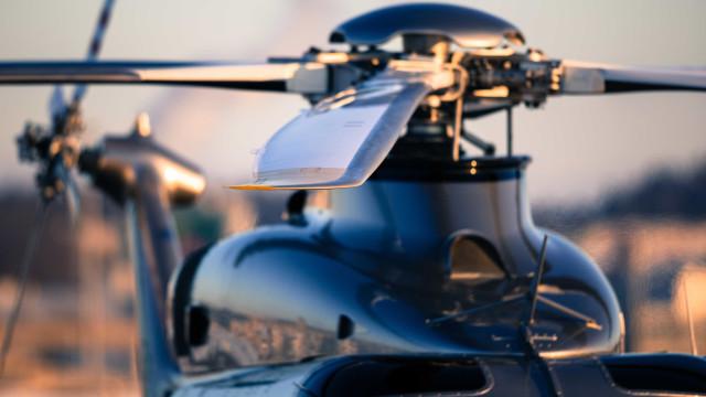 Helicóptero faz pouso forçado após ser atingido por suposto tiro
