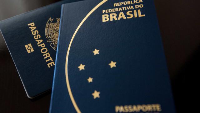 Após chuva, PF interrompe emissão de passaportes no Aeroporto do Galeão