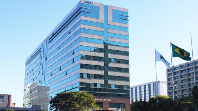 De uma só vez, AGU promove 606 procuradores para topo da carreira