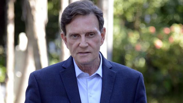 Em viagem, Crivella se dizgrato por intervenção na segurança do Rio