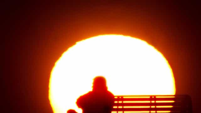 Temperaturas altas aumentam risco de suicídio, alerta estudo