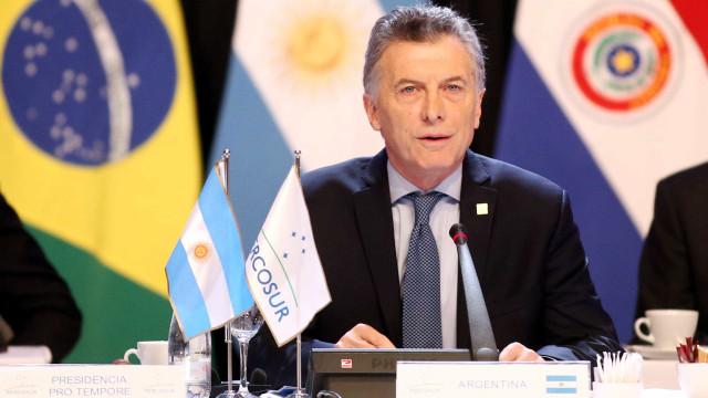Argentina anuncia congelamento de preços e tarifas públicas