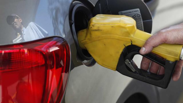 PRF prende suspeitos de roubar carreta de transporte de gasolina