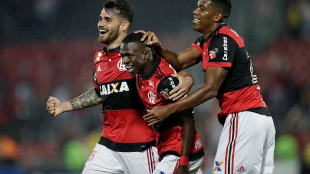 Flamengo goleia Palestino e  chega às oitavas da Sul-Americana