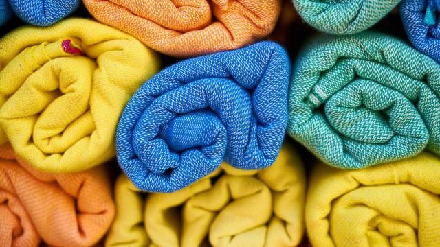 Saiba quantas vezes usar a toalha de banho antes de lavar